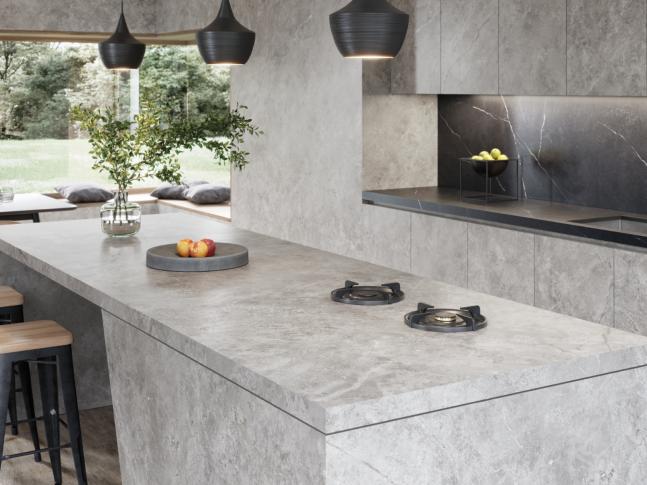 Minimalistická kuchyně v šedé barvě