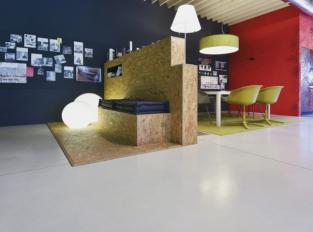 Betonová podlaha Nuvolato v kanceláři