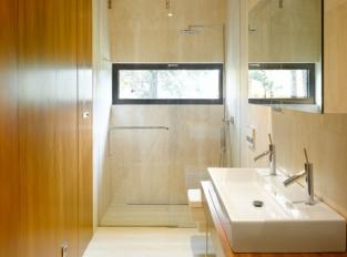Koupelna domu v Černošicích