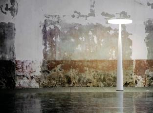 EQUILIBRE - stojací svítidlo