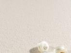 Přírodní vlněný koberec Morzine Světlý vlněný koberec Morzine je velmi odolný, vhodný i do hotelů a restaurací.