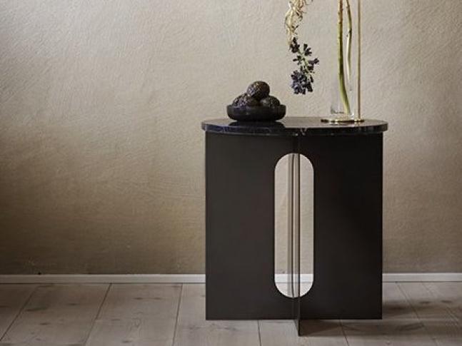 Odkládací stolek Androgyne