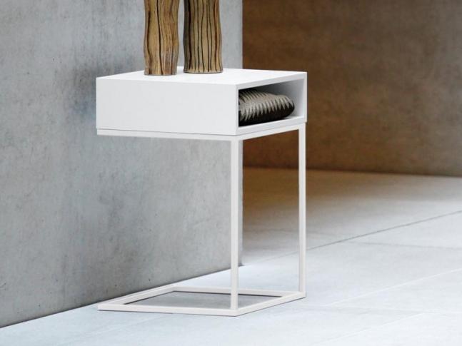 Noční stolek Dina