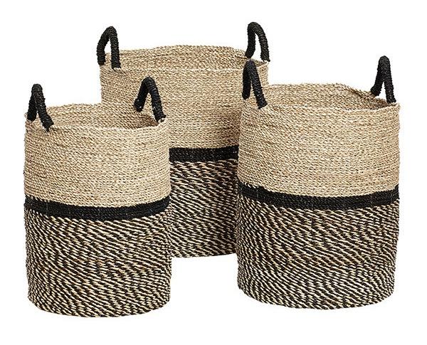 Pletené koše z mořské trávy