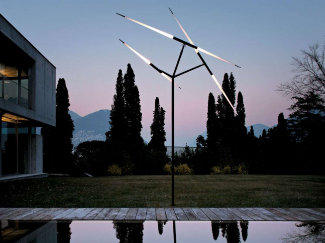 Stojací lampa Javelot Macro