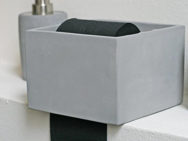 LOOOOX  držák papíru - beton