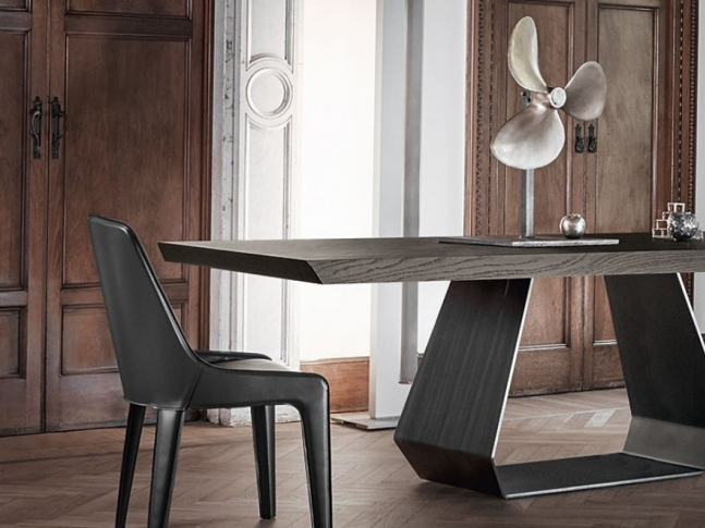Stůl Amond