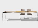 Stůl TAK s kovovými nohami