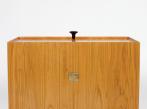 Skříňka Glove Cabinet