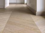 Dřevěná mozaiková podlaha Herringbone Mozaiková podlaha Mardegan Herringbone  ze dřeva, dodavatel BOCA Group Praha.