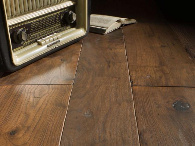 Dřevěná podlaha American Walnut