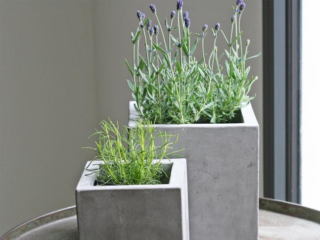 LOOOOX květináč kostka beton