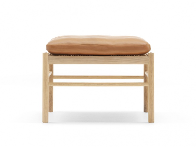 OW149-F - COLONIAL STOOL