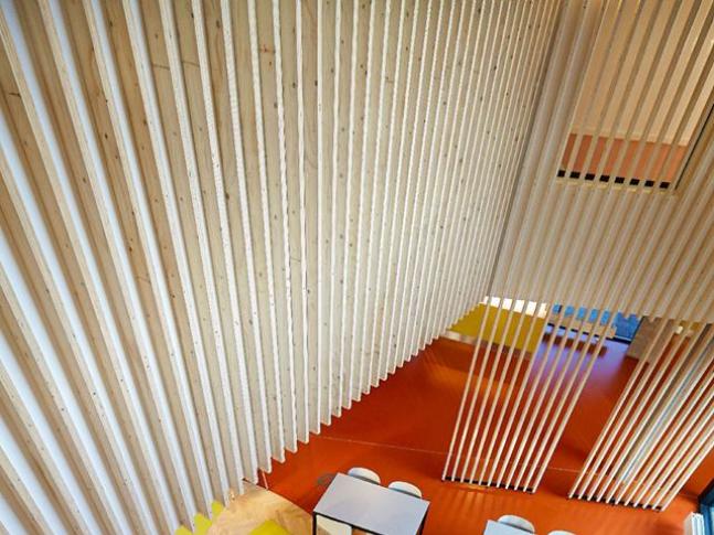 Kaučuková podlaha Artigo Granito Barevná kaučuková podlaha Artigo Granito na dánské psychiatrické klinice, podlahy BOCA.