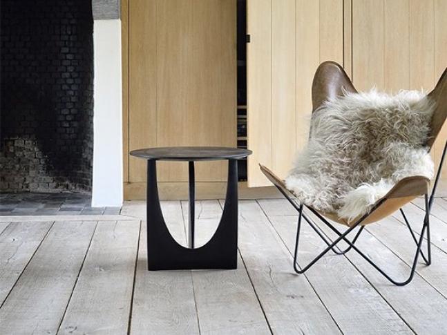 Odkládací stolek Ethnicraft Geometric Side Table
