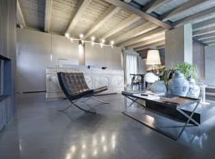 Betonová podlaha Nuvolato / Skyconcrete - interiér