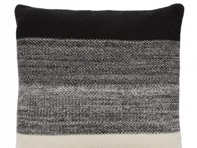 Polštář Hübsch Cushion černošedokrémový