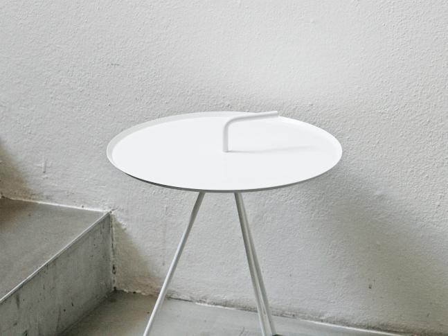 LOOOOX stolek trojnožka s kličkou bílý ST_0068_TI
