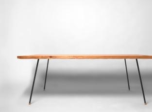 Stůl s vlnkami