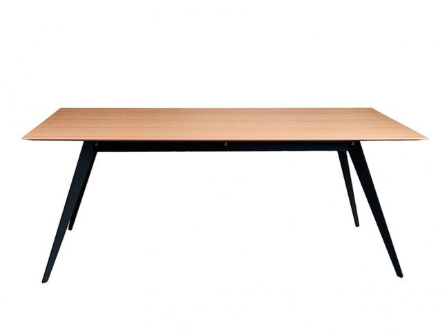 Stůl Treku Aise