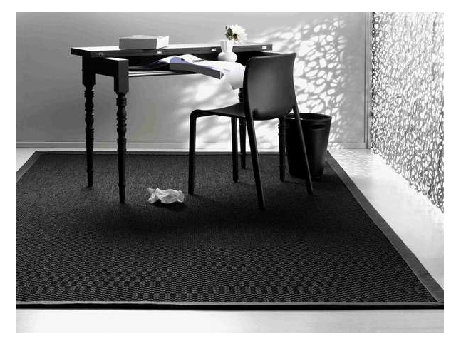 Zambesi - zátěžový sisalový koberec Ploše tkaný sisalový koberec Zambesi jako kusový koberec.